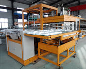 China Fully Automatic Vacuum Forming Foam Box Making Machine 5 Workers Operated factory